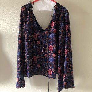 Plus size cropped floral blouse